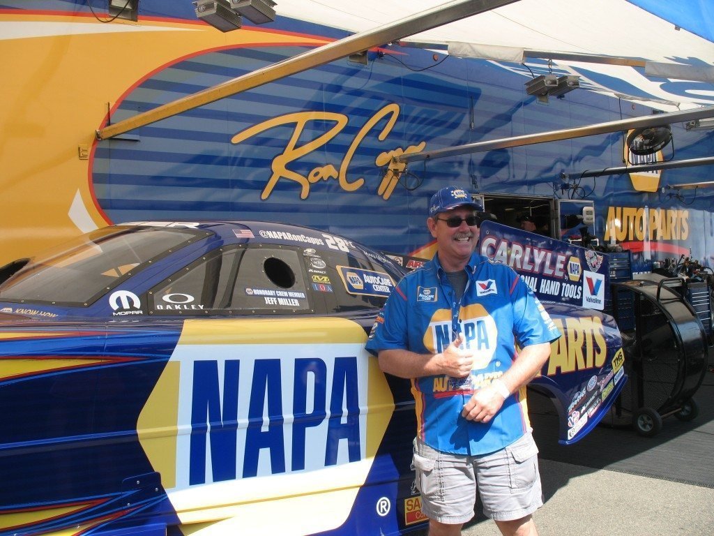 Phases Jeff Miller with Ron Capps racing